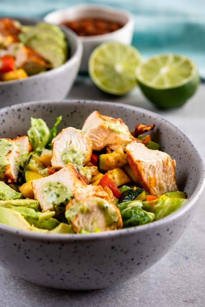 Close up shot of low carb grilled chicken power bowl